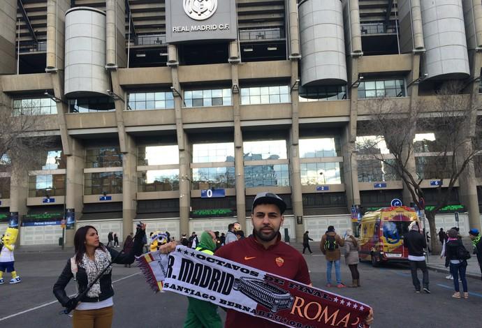 Torcedor do Roma não acredita em milagre do seu time (Foto: Ivan Raupp)
