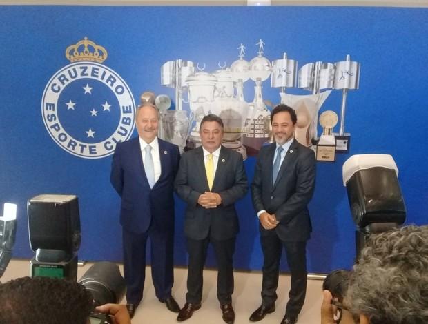 Wagner Pires, Zezé Perrella e Marco Antônio Lage , integrantes da nova diretoria do Cruzeiro