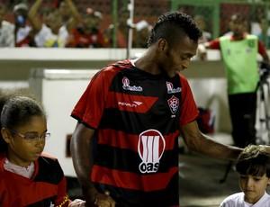 Marquinhos; Vitória (Foto: Felipe Oliveira/Divulgação/EC Vitória)