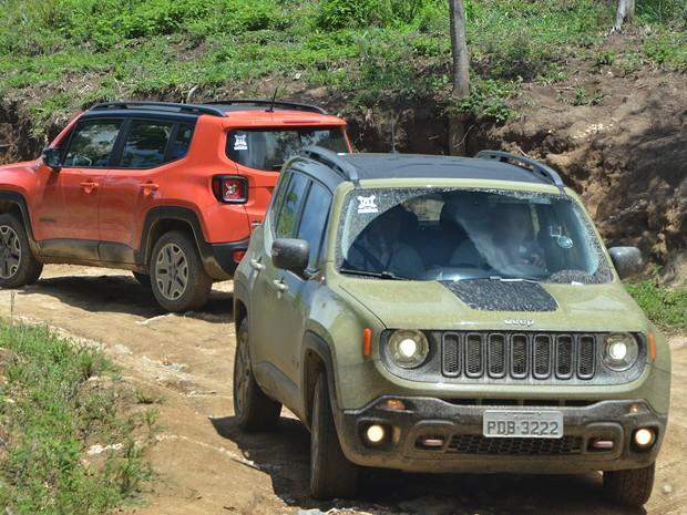 Carro pode ser equipado com câmbio manual de 5 marchas, automático de 6 ou 9 (Foto: Peter Fussy/G1)