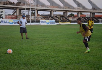 Jefferson, atacante do São Raimundo (Foto: Gustavo Campos/GloboEsporte.com)