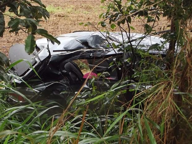 2fc076e23348 G1 - Jovem morre após carro aquaplanar e sair da pista em rodovia do ...