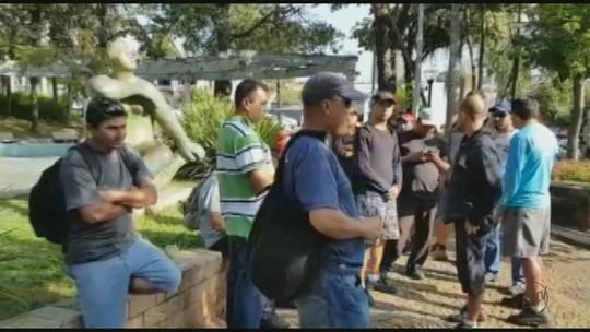 Coletores de lixo paralisam atividades em Mococa, SP