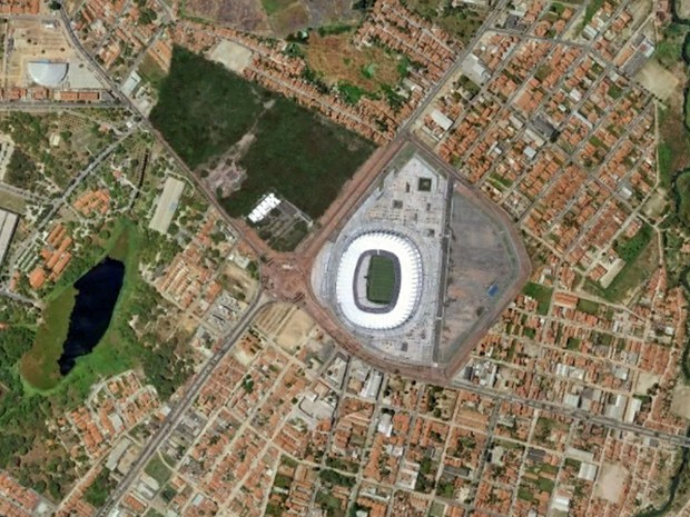 Estádio Castelão, em Fortaleza, em foto feita em 30 de março de 2013 (Foto: Google Earth)