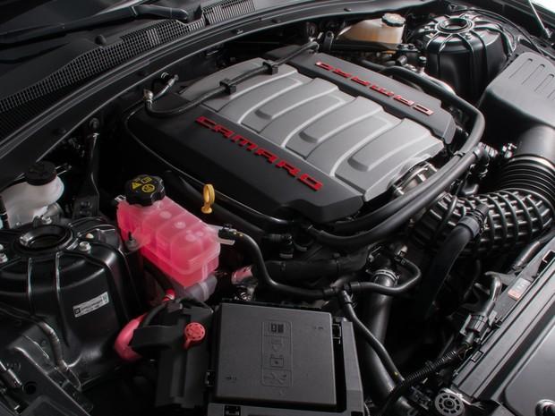 Motor V8 6.2 do Camaro é o mesmo do Corvette (Foto: Divulgação)