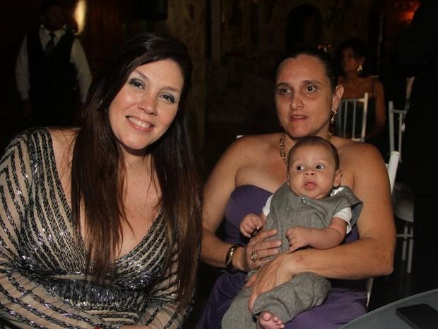 Simony com o filho caçula, Anthony, em festa em Mauá, em São Paulo (Foto: Caio Duran e Thiago Duran/ Ag. News)