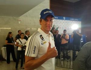 Cesar Cielo no Minas Clube natação (Foto: Mauricio Paulucci)
