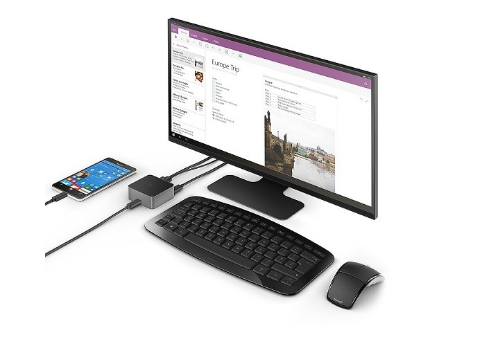 Display Dock tem entrada USB-C e pode carregar smartphone (Foto: Divulgação/Microsoft)