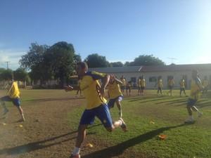O meia Leonardo está no elenco do Palmas desde o início do ano e deve ser um dos destaques do sub-19 (Foto: Camila Rodrigues/GloboEsporte.com)