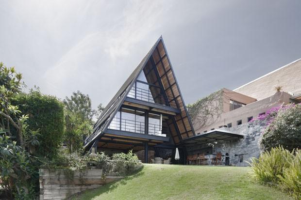 Casa de campo exibe forma de A (Foto: divulgação)