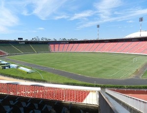 Estádio Parque do Sabiá Uberlândia (Foto: Felipe Santos)