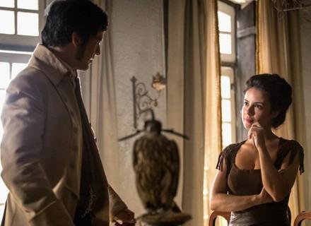 Joaquina recusa beijo e diz a Rubião que não está apaixonada