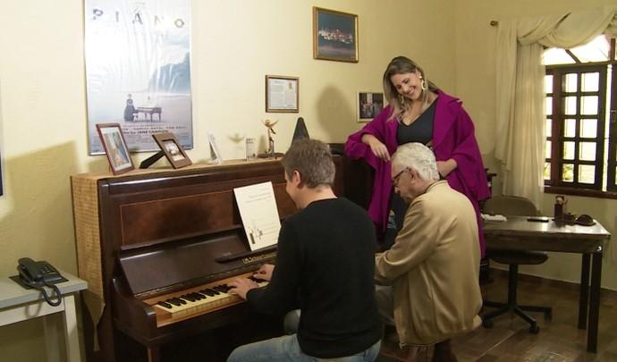 'Mais Diário' promove encontro entre Maestro Niquinho e pianista (Foto: Reprodução / TV Diário )