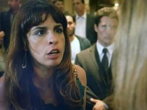 Danielle reage ao ser acusada! (Foto: TV Globo)