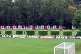 Com campo pesado e reforço, elenco do Vitória treina na Toca do Leão