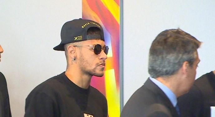 Neymar e Barcelona no memorial de Cruyff (Foto: Ivan Raupp)