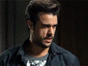Enrico pensa em vingança (Foto: TV Globo)