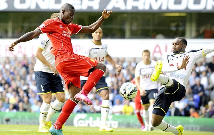 Balotelli jogo Liverpool x Tottenham (Foto: EFE)