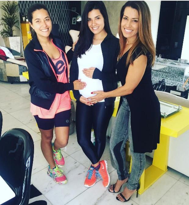 Bruna, Thabata e Solange Frazão (Foto: Reprodução)