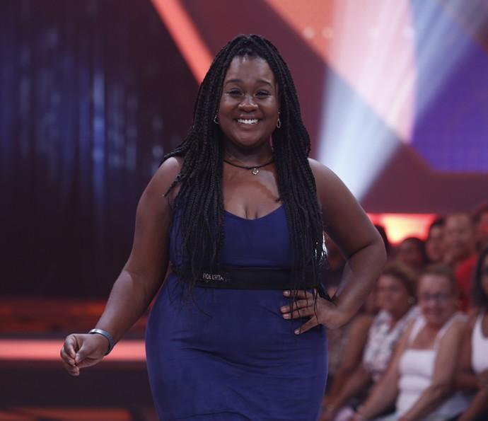 Roberta posa no palco do BBB17 (Foto: Artur Meninea/Gshow)