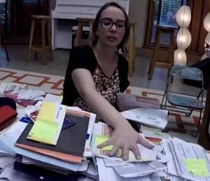 Arrume a papelada que ficou bagunçada durante o ano (Foto: Reprodução)