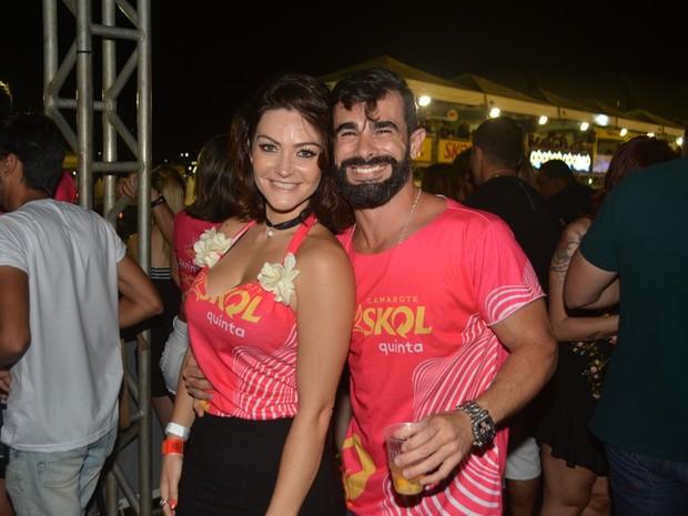 Laura Keller e o marido, Jorge Sousa, em micareta em Natal (Foto: Felipe Souto Maior/ Ag. News)
