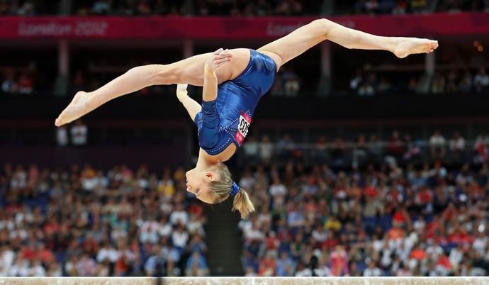 Viktoria Komova nas Olimpíadas de 2012  (Foto: Getty Images)