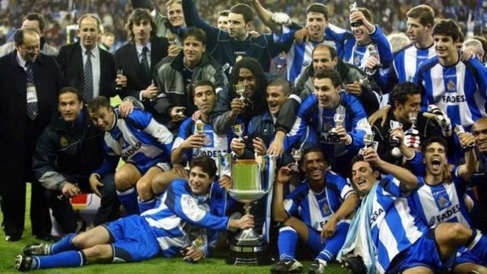Jogadores do la Coruña título espanhol (Foto: Divulgação / Site Oficial)