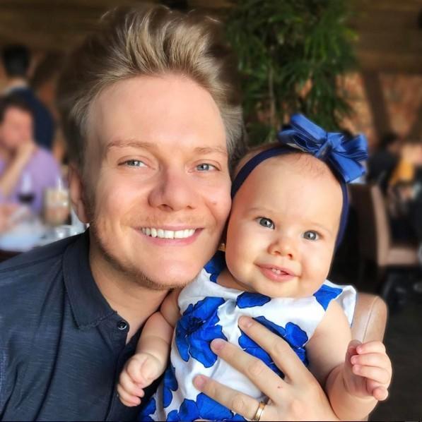 Michel Teló e a filha Melinda (Foto: Reprodução Instagram)