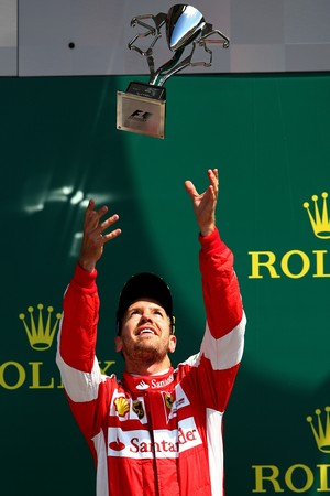Sebastian Vettel no pódio do GP da Inglaterra de Fórmula 1 (Foto: Getty Images)