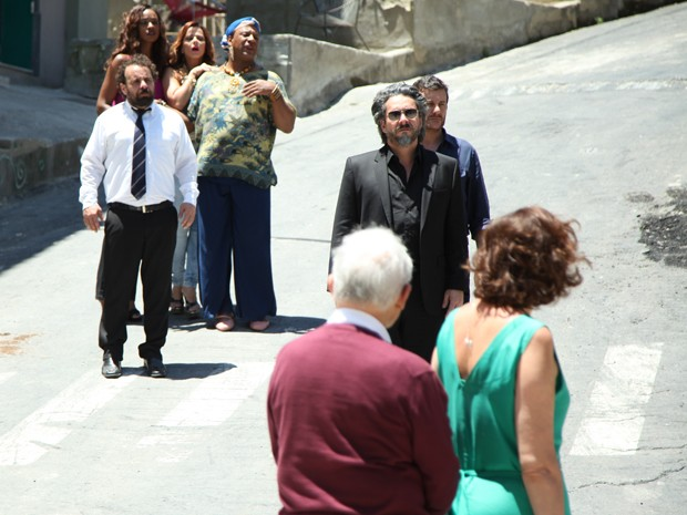 José Alfredo bate boca com Maria Marta e a culpa pelo sumiço da pedra (Foto: Carol Caminha/GShow)