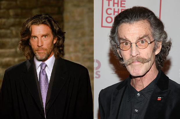 John Glover (Foto: Warner Bros e Getty Images)