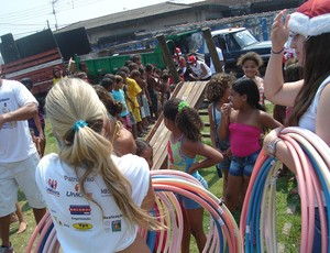 Atletas solidários, em São Vicente  (Foto: Divulgação     )