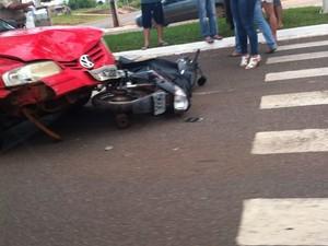 Motociclista fica ferido após acidente envolvendo três veículos em Palmas (Foto: Reprodução)