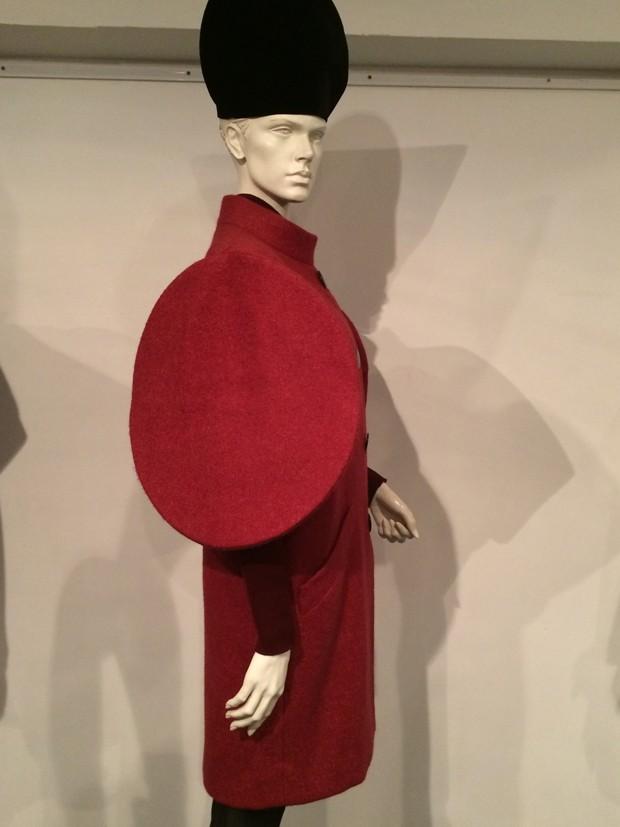 Pierre Cardin coat, 1981  (Foto: Suzy Menkes)