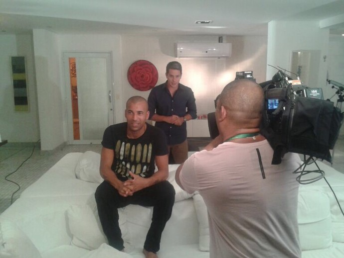 Sheik e Ivan Moré durante entrevista (Foto: Guilherme Laars)
