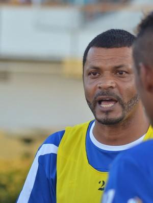 Nadélio Rocha no Confiança (Foto: Thiago Barbosa / GLOBOESPORTE.COM)