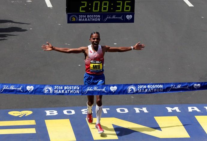 Meb Keflezighi maratona de boston vencedor (Foto: AP)