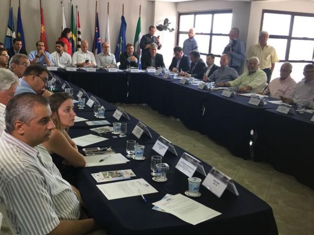 Reunião foi realizada em Santos (Foto: Tatyana Jorge/G1)