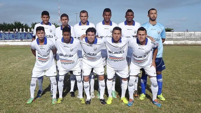 Jogadores do CSA posam para foto antes de amistoso contra o Dínamo (Foto: Arthur Almeida / Divulgação CSA   )