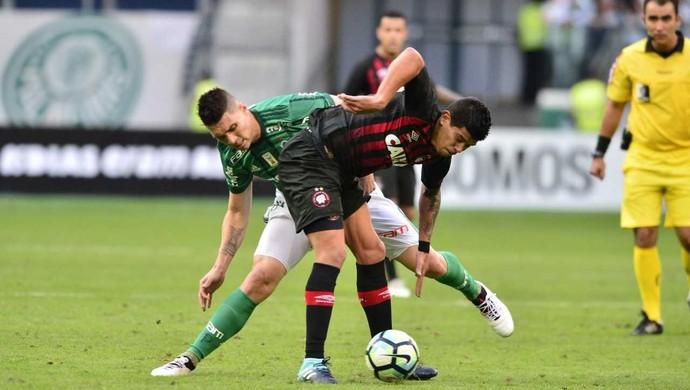 Palmeiras Atlético-PR Pavez (Foto: Marcos Ribolli)
