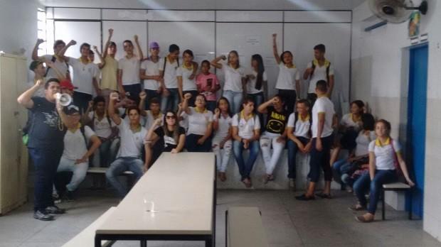 Escola Estadual Rotary, em Arapiraca, também foi ocupada pelos estudantes (Foto: Divulgação/Ubes-AL)