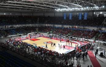 Final do NBB em arena improvisada sofre com iluminação e placar
