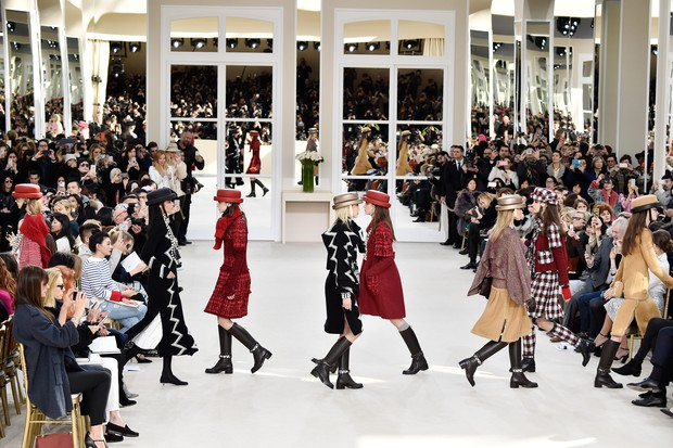 Desfile Chanel, inverno 2017 (Foto: Getty Images )