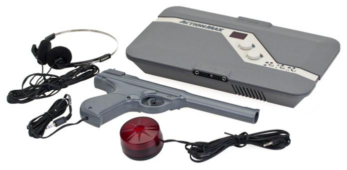 """Action Max dependia de vídeocassete para reproduzir """"jogos"""" que consistiam em gravações VHS  (Foto: Reprodução/TheOldComputer)"""