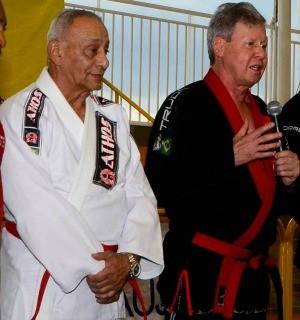 Mestre Osvaldo Alves e Artur Neto (Foto: Mauro Neto/Semjel)
