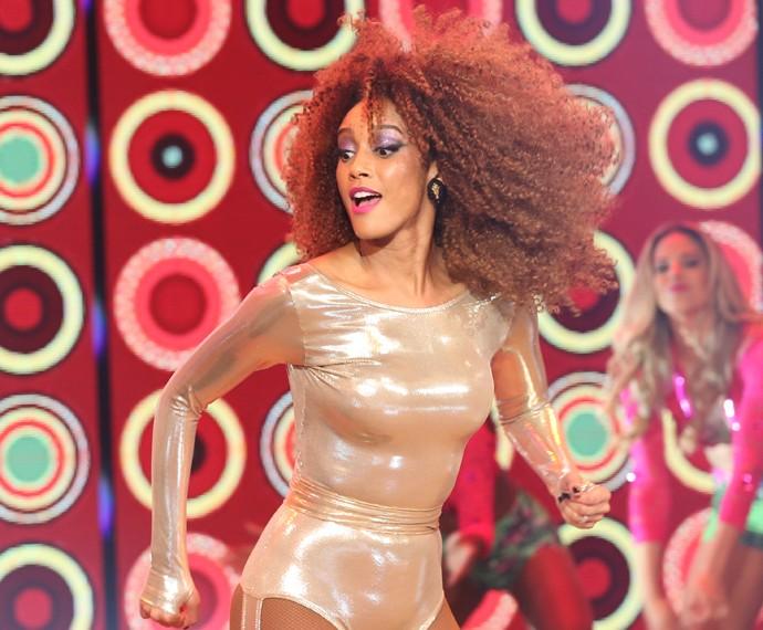 Taís Araújo como Michele no palco do 'Domingão do Faustão' (Foto: Carol Caminha / Gshow)