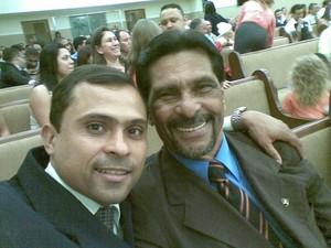 Eduardo Alves dos Santos e o pai, Genival (Foto: VC no G1)