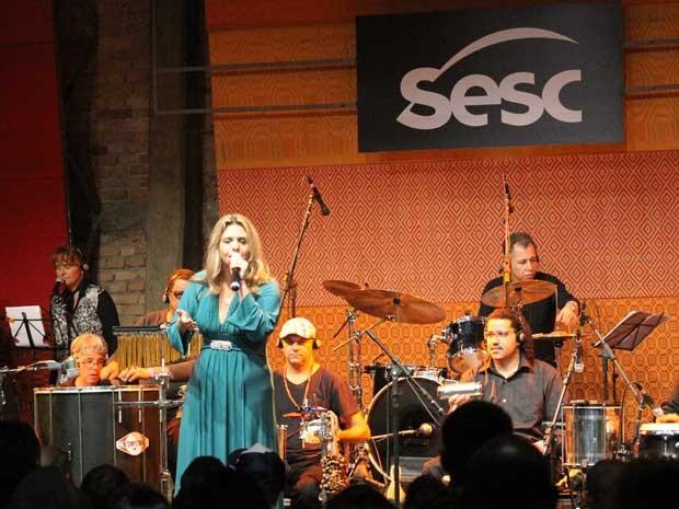 """Aline Chiaradia canta vencedora """"Infinita Cidade"""".  (Foto: Divulgação)"""