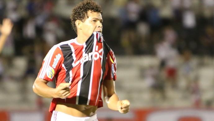 Camilo, meia do Botafogo-SP (Foto: Rogério Moroti/Ag. Botafogo)